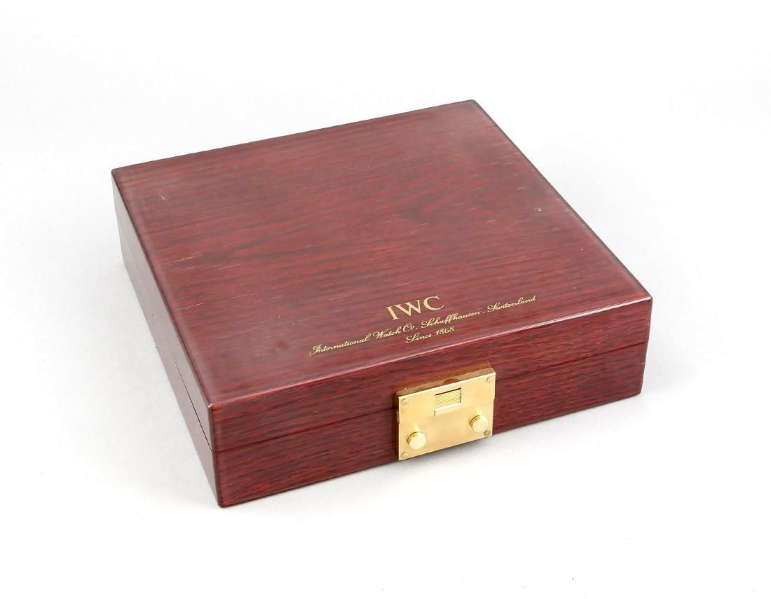IWC Uhrenkasten, Schweiz, 2. H. 20. Jh., dunkles Holz - 2