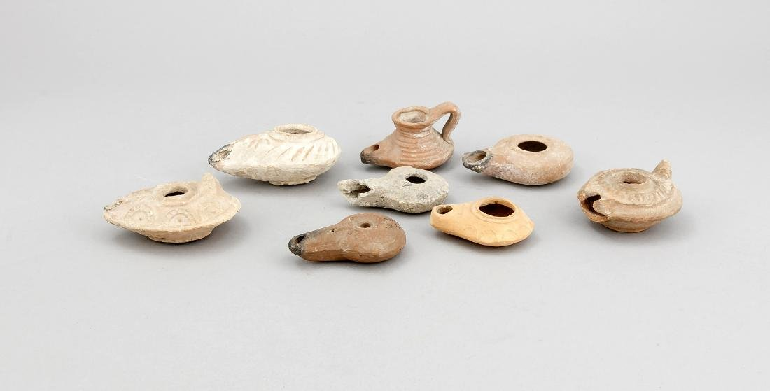 Konvolut von 8 Öllampen, Steinzeug/Keramik. Mit und