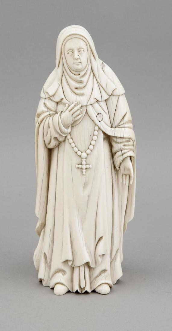 Elfenbeinfigur einer Heiligen, wahrscheinlich Goa,