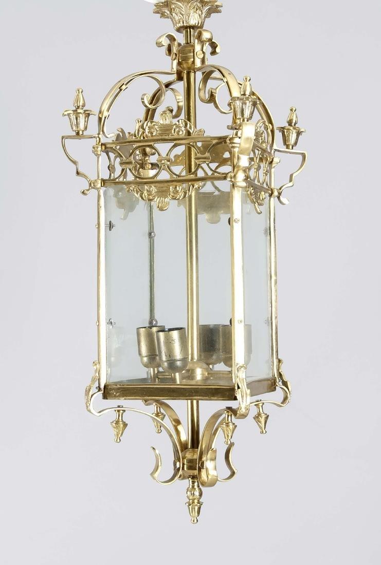 Deckenlampe in Laternenform, 2. H. 20. Jh., Gelbguss,