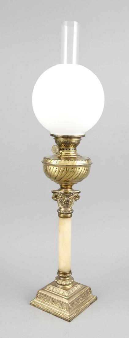 Petroleumlampe des 19. Jh., Metallguss und Messing an
