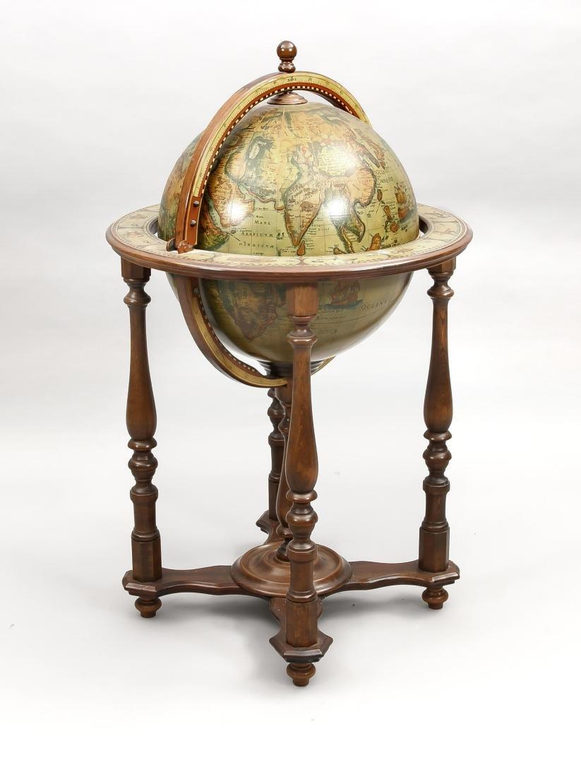 Hausbar um 1970 in Form eines Globus', gedrechseltes