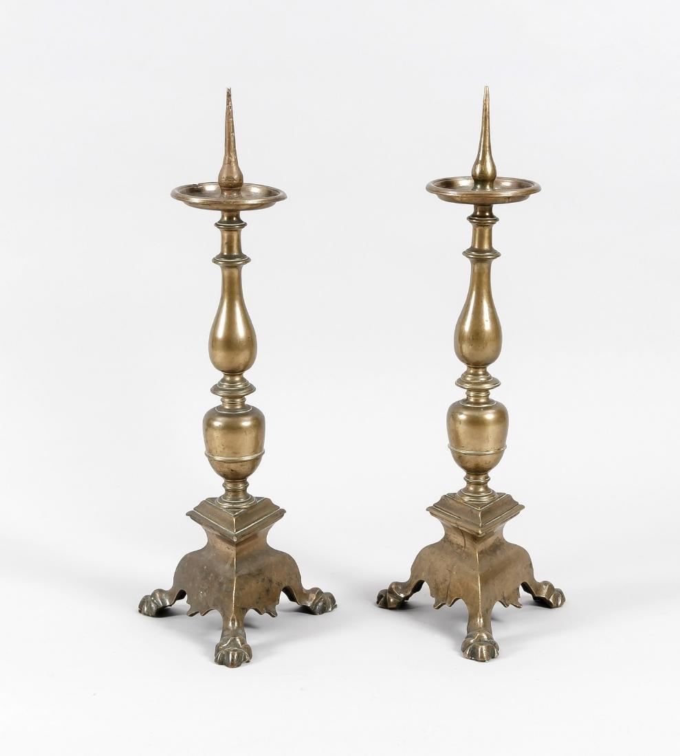 Paar Altarleuchter, süddt. um 1720, Bronze,