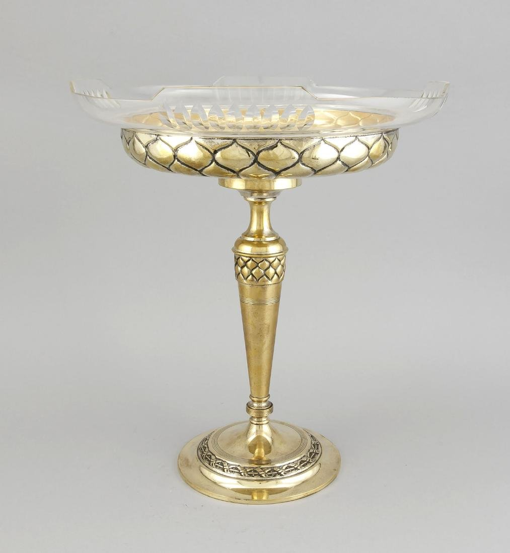 Large centerpiece around 1900, brass with a former
