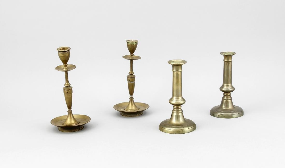 2 Paar Leuchter, 1. H. 20. Jh., Messing und Bronze, 1 x