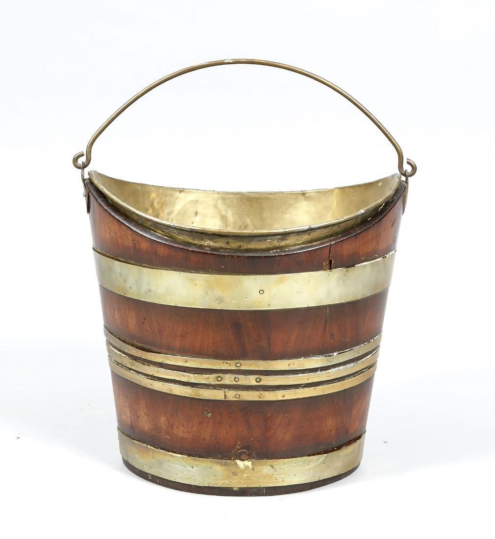 Kielförmiger Eimer (Vorlegebesteckeimer), um 1900,
