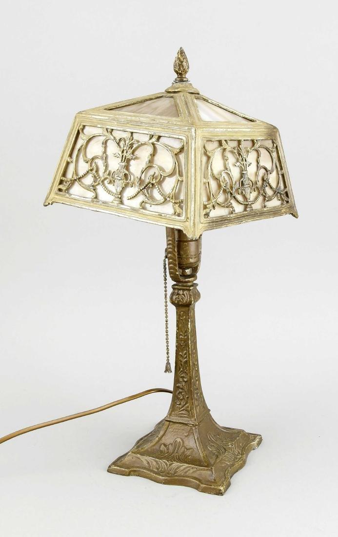 Tischlampe um 1900, elektr., 1-flg., grünbraun bemalter