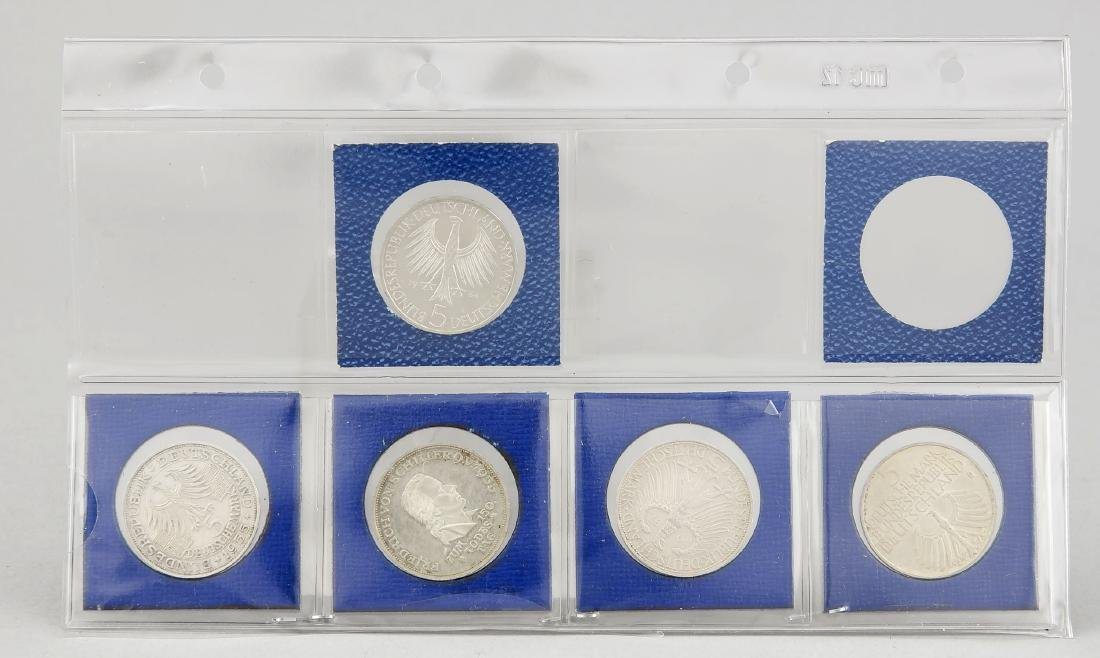 Konvolut von fünf 5-DM Silbermünzen, Gedenkmünze Johann - 2