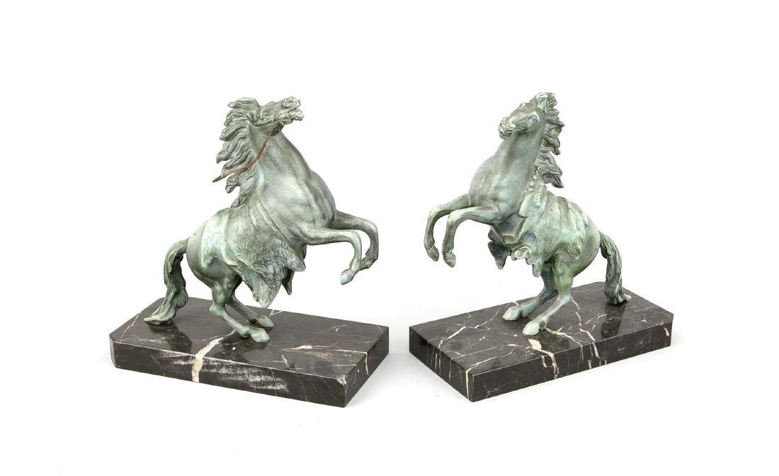 Paar Buchstützen mit Pferden, Frankreich, Mitte 20.