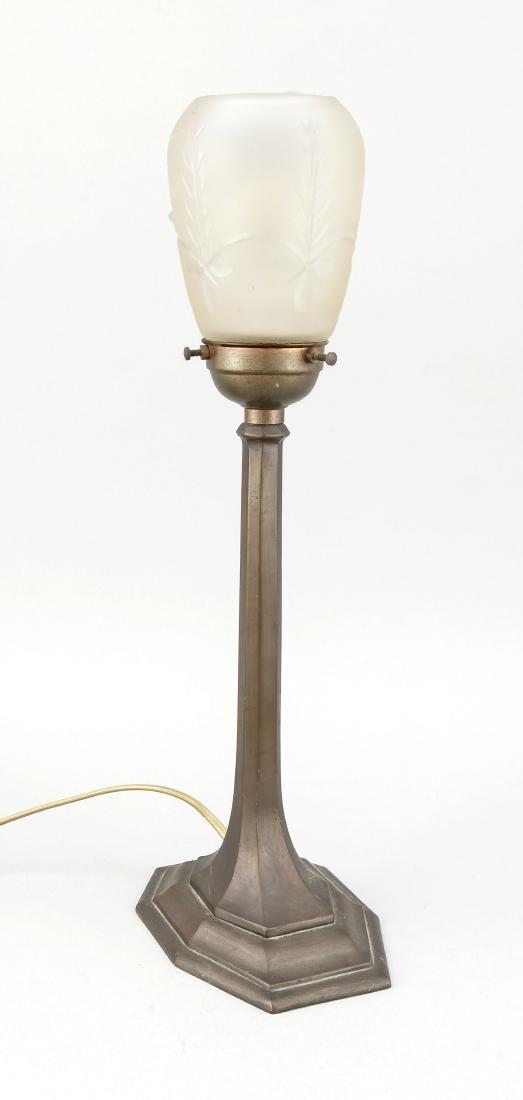 Art-déco-Lampe, Italien, Anfang 20. Jh., Metallguss.
