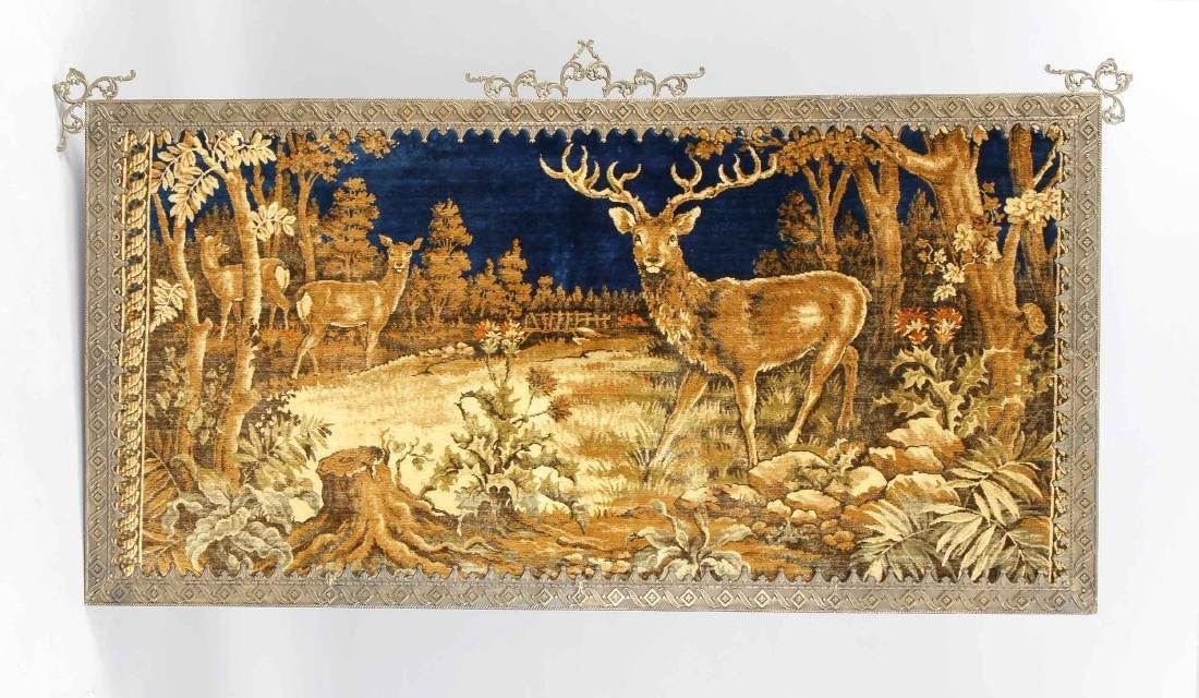 Großer, jagdlicher Wandteppich mit Hirschen auf einer