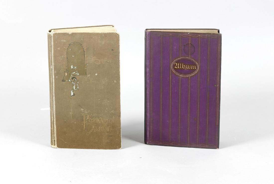 Zwei Alben mit Ansichtskarten 1. H. 20. Jh., mit ca.