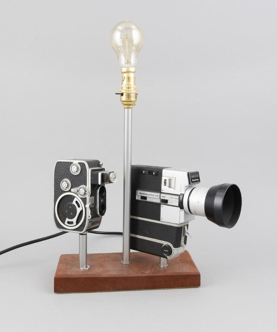 Kameralampe, Zwei Super-8 Kamaras, einmal Sankyo/Japan,