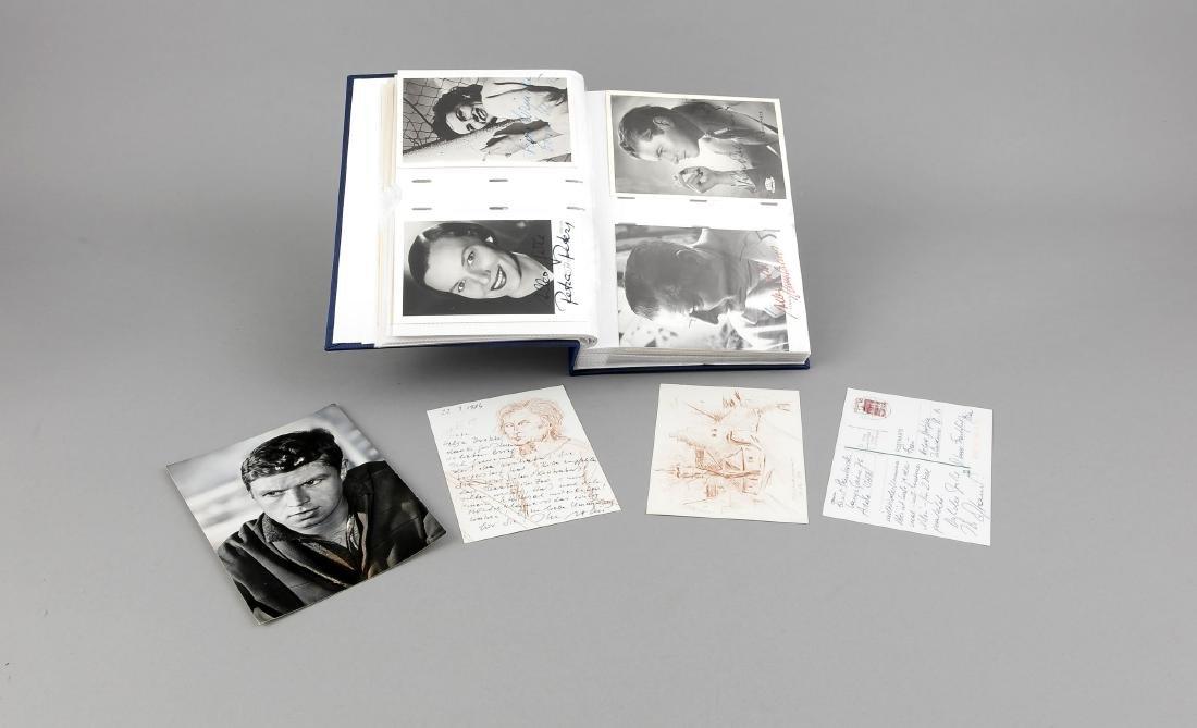 Album mit ca 70 Autogrammkarten mit original