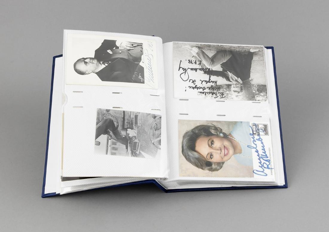 Album mit ca 70 Autogrammkarten mit original - 2