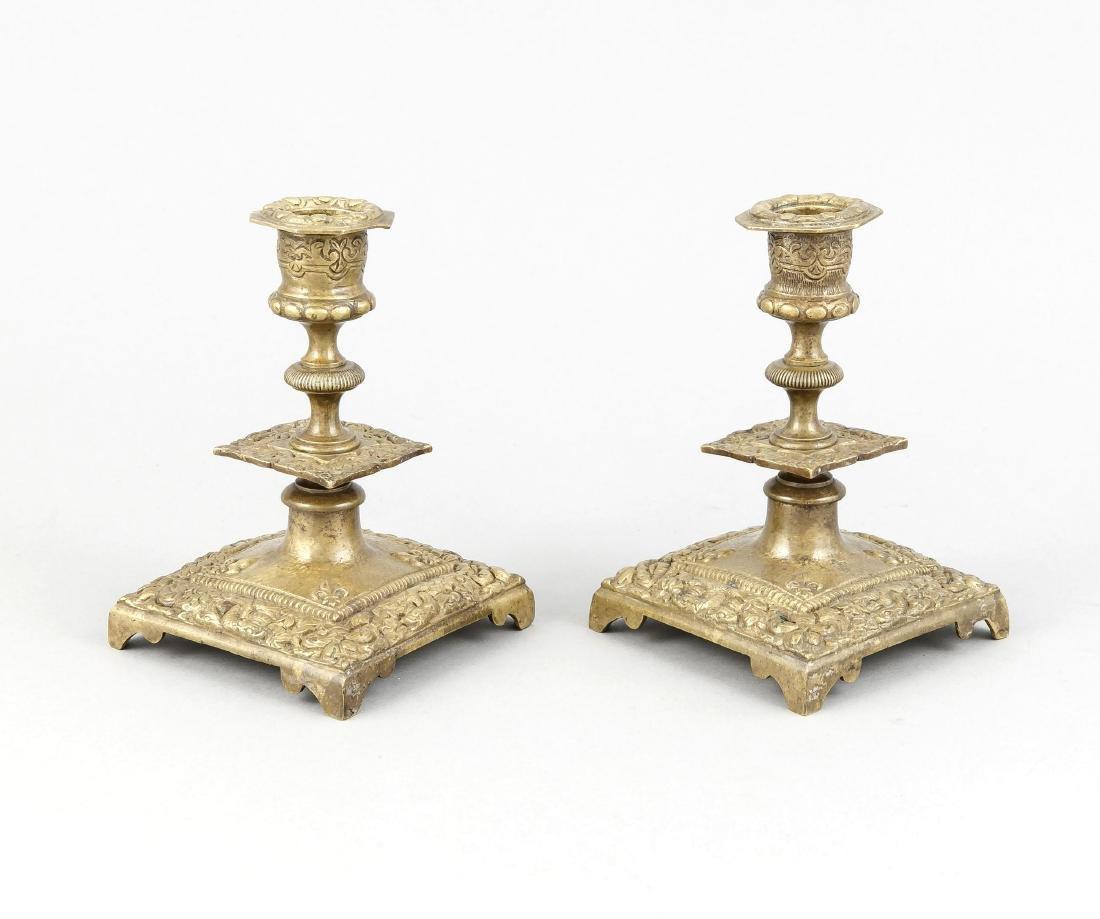 Paar Bronze-Tischleuchter, spätes 19. Jh., quadr. Stand