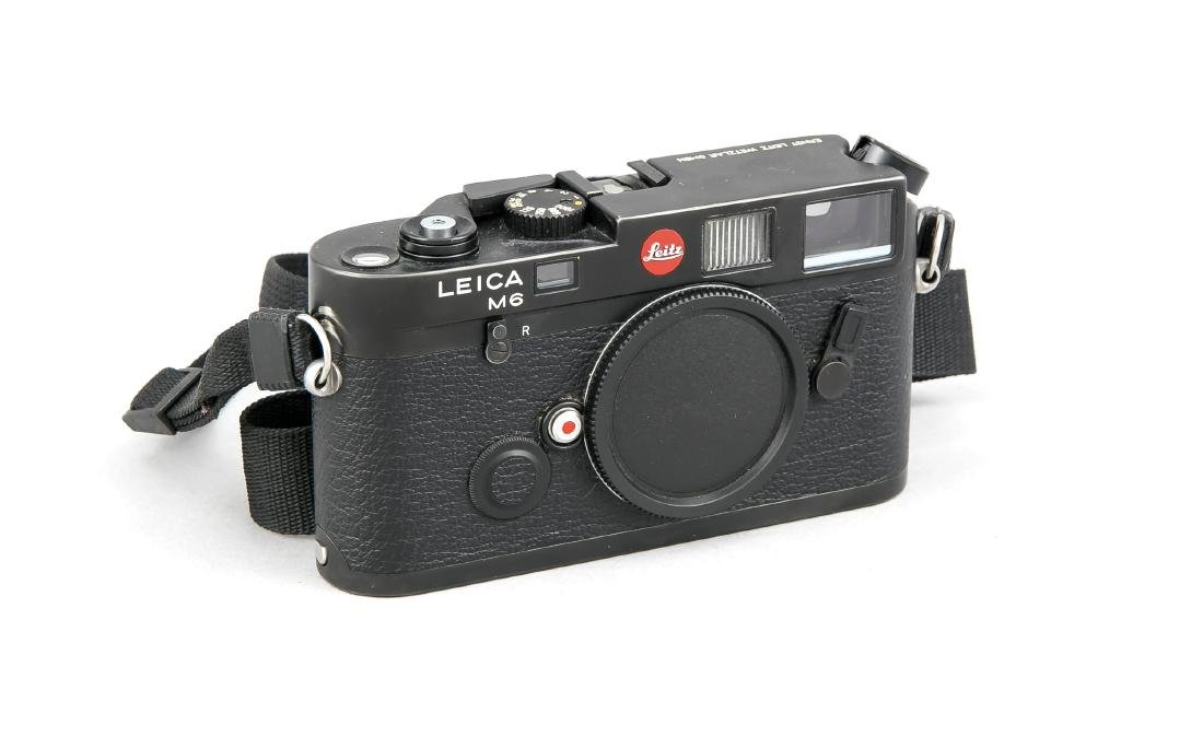 Leica M6 Kamerakorpus, 1676087, schwarz, mit Staubkappe