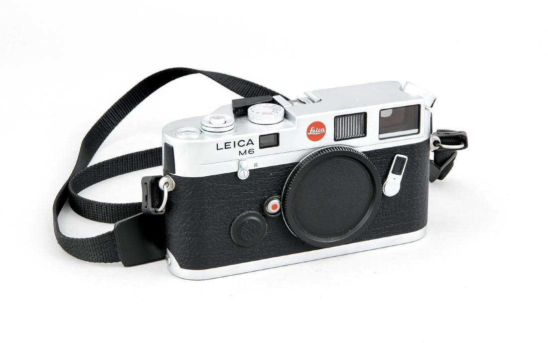 Leica M6 Kamerakorpus 2331957, mit Staubdeckel