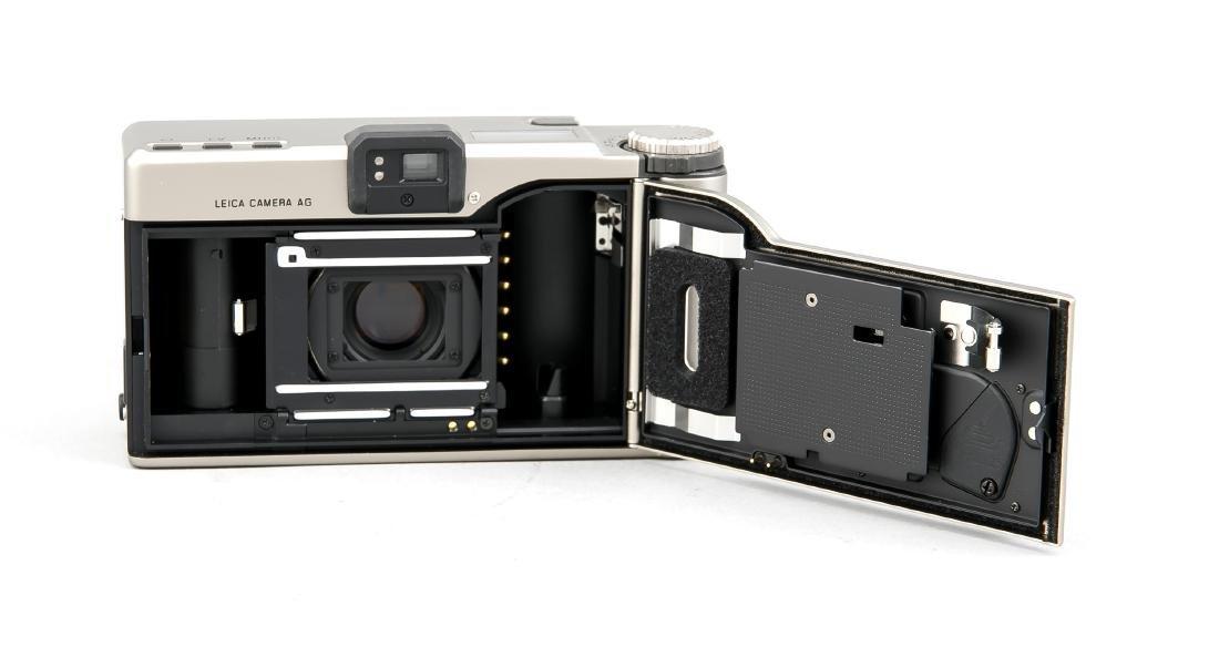 Leica Minilux DB 18069 mit Summarit 1:2.4/4mm in - 2
