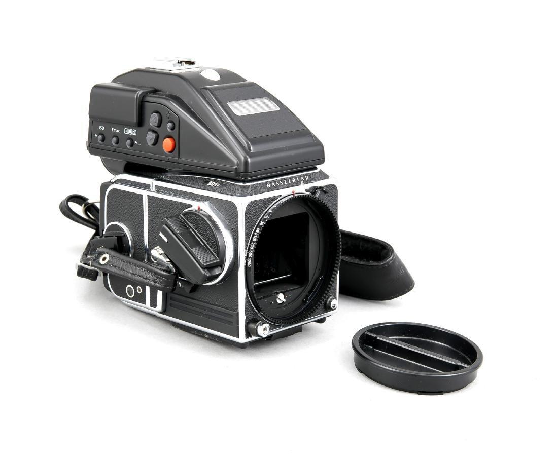 Hasselblad 201F Kameragehäuse mit Lichtschacht und Gurt