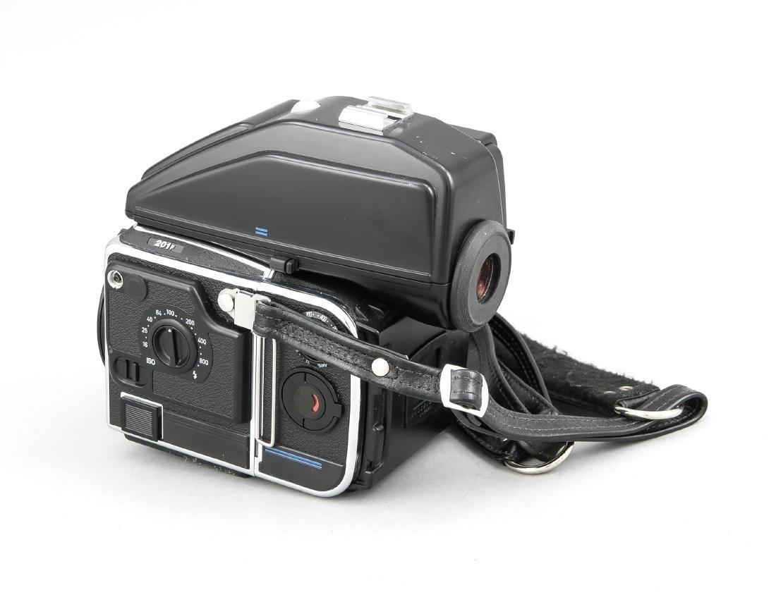 Hasselblad 201F Kameragehäuse mit Lichtschacht und Gurt - 2