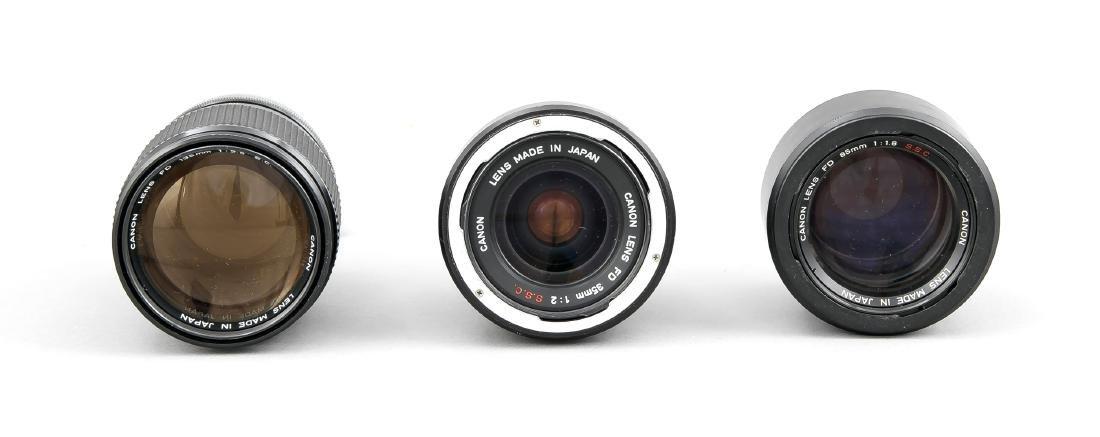 Drei Canon Objektive, Canon Lens FD 35mm 1:2 SSC, 135mm - 2