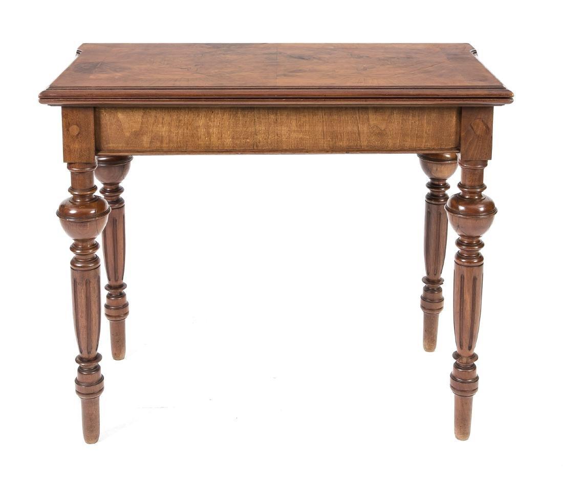Spieltisch, Nussbaum furniert, Gründerzeit, um 1880,
