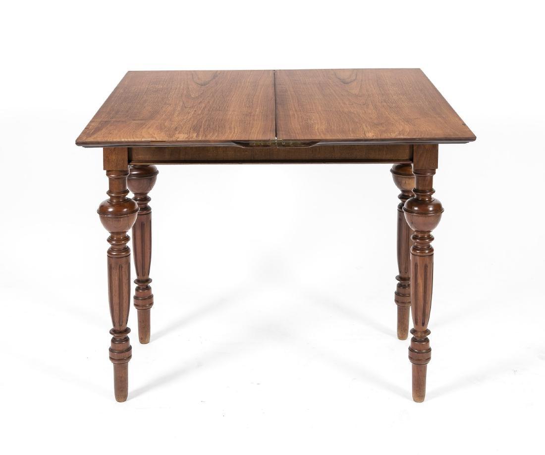 Spieltisch, Nussbaum furniert, Gründerzeit, um 1880, - 2