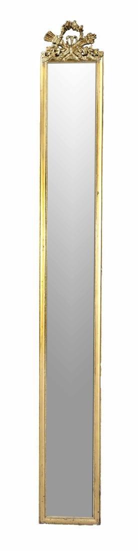 Außergewöhnlich schlanker Pfeilerspiegel, 1. H. 20.