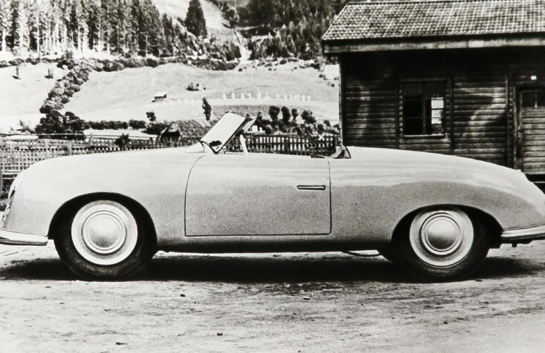 Oldtimer, compilation of 19 photographs of vintage cars - 3