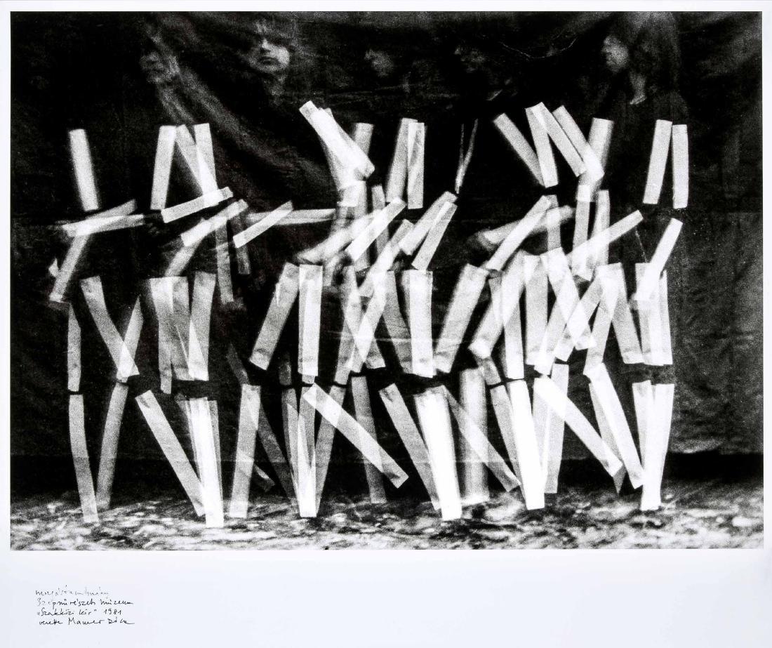 Dóra Maurer (*1937), ungarische Künstlerin,