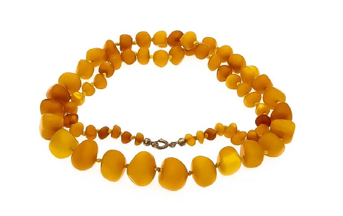 Amber necklace with spring-ring clasp, with