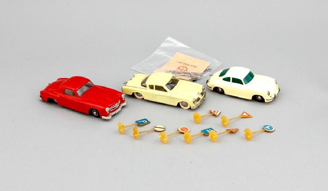 Konvolut von 3 Modellautos der Marke DUX in einem
