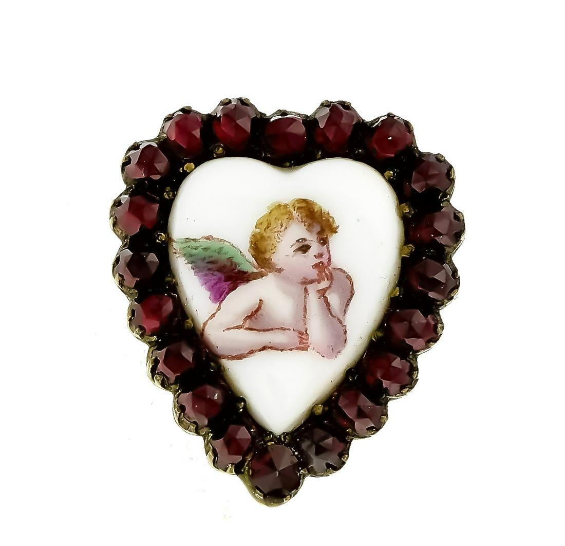 Heart brooch with round f