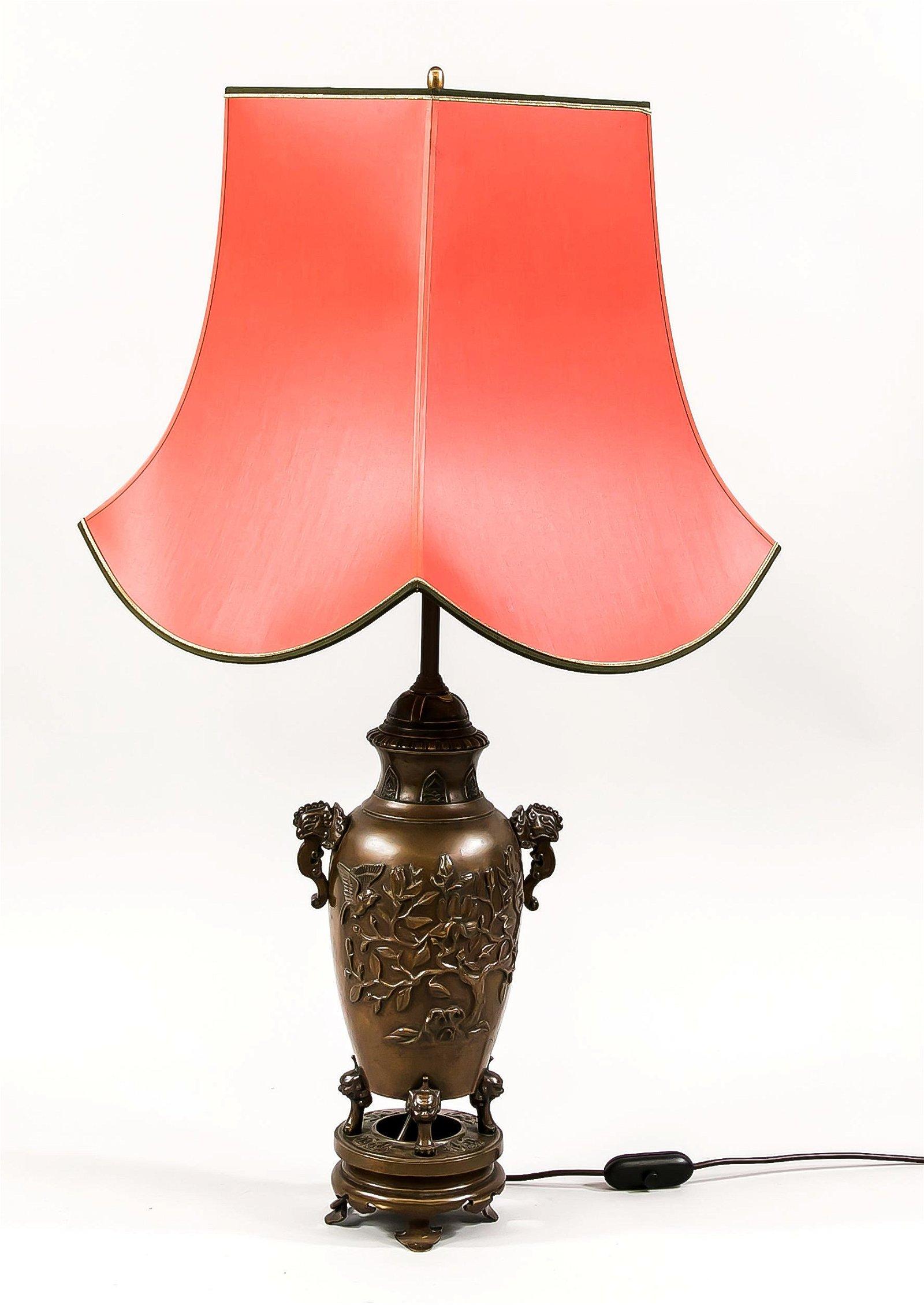 Große Tischlampe aus asiatisch