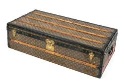 Louis Vuitton overseas suitcase, 1s
