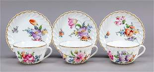 Three tea cups with saucer, Ny