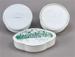 Three lidded jars, Höchst, 20t
