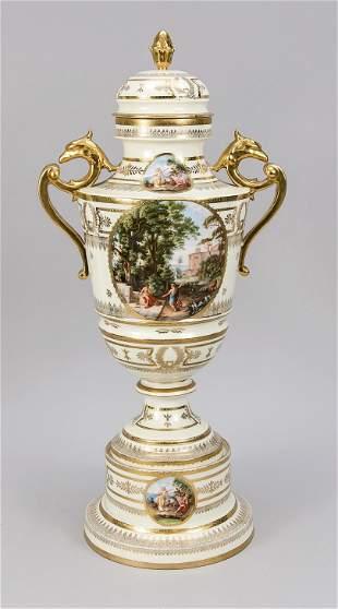 Large lidded vase on pedestal, Thuri