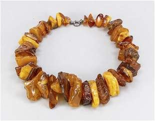 Large amber necklace with 41 l
