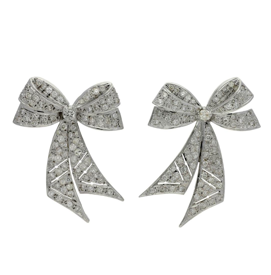 Bow-shaped diamonds earrings White gold and brilliant