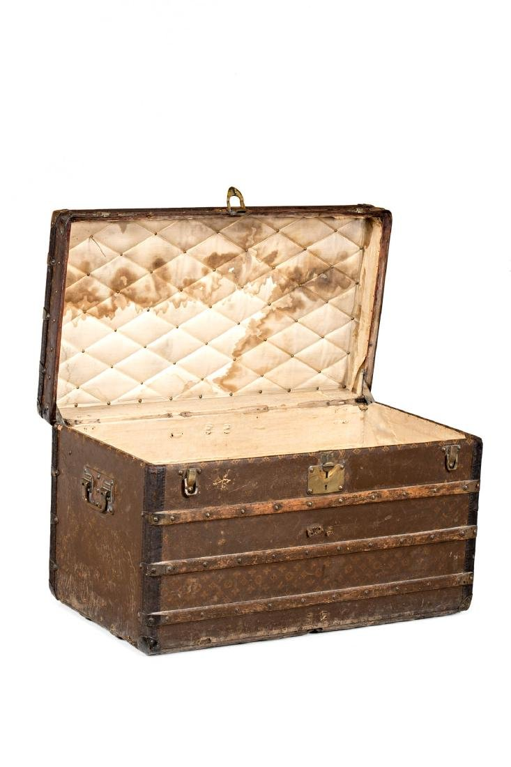 Louis Vuitton trunk in leather and wood with brass - 2