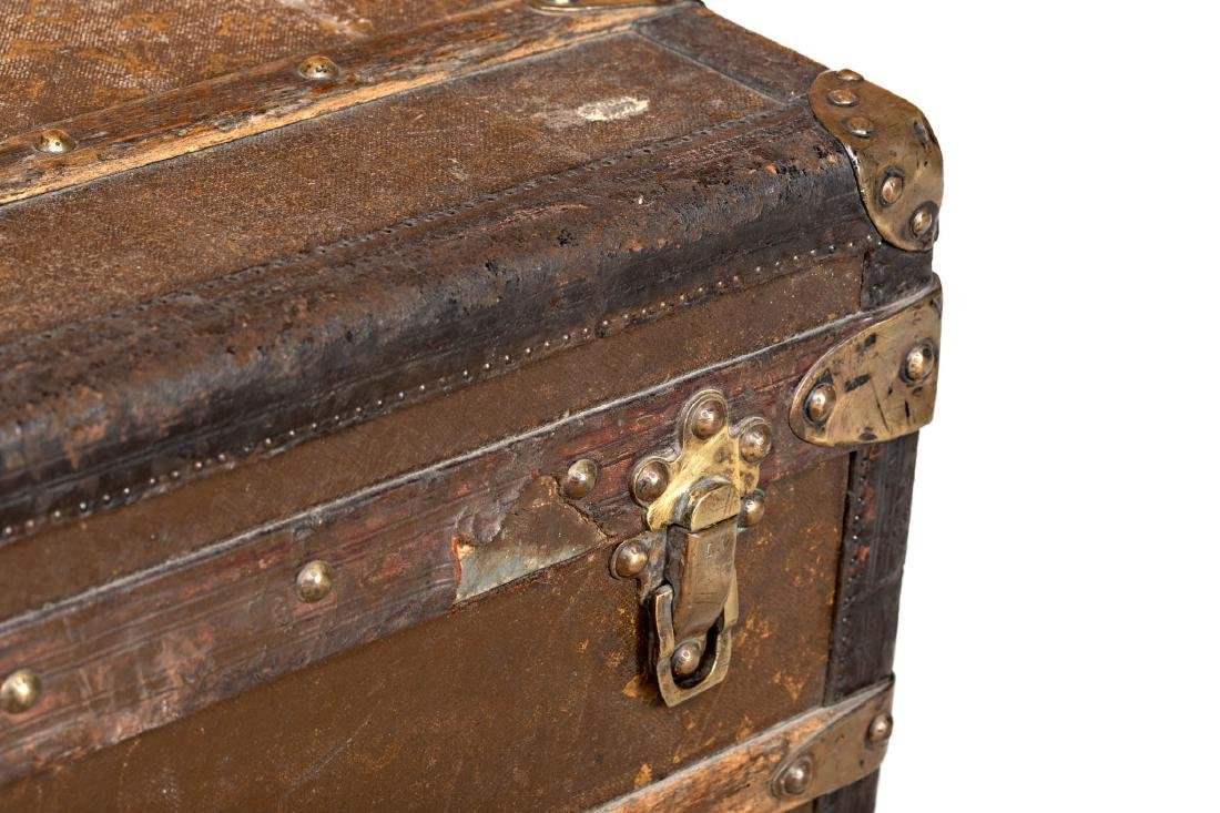 Louis Vuitton trunk in leather and wood with brass - 6