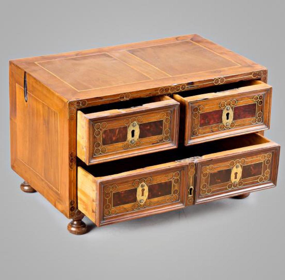 Spanish chest-bin in walnut, boxwood, tortoiseshell and - 3