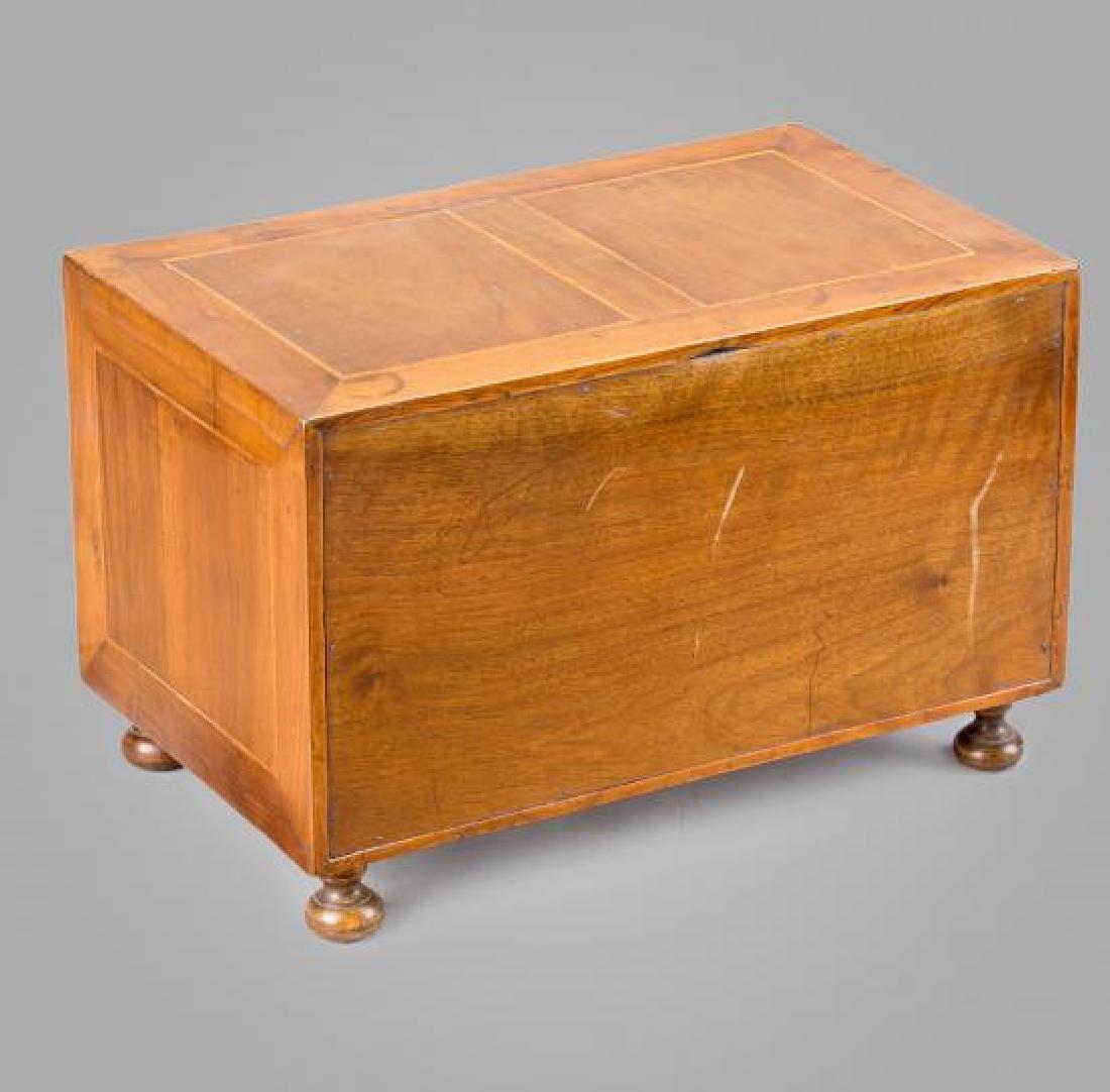 Spanish chest-bin in walnut, boxwood, tortoiseshell and - 4