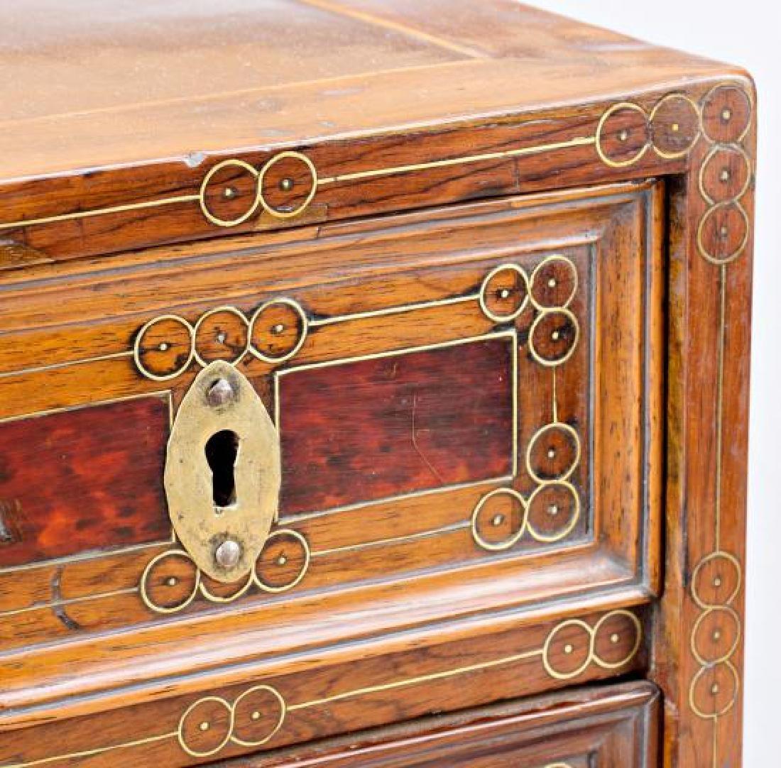 Spanish chest-bin in walnut, boxwood, tortoiseshell and - 5