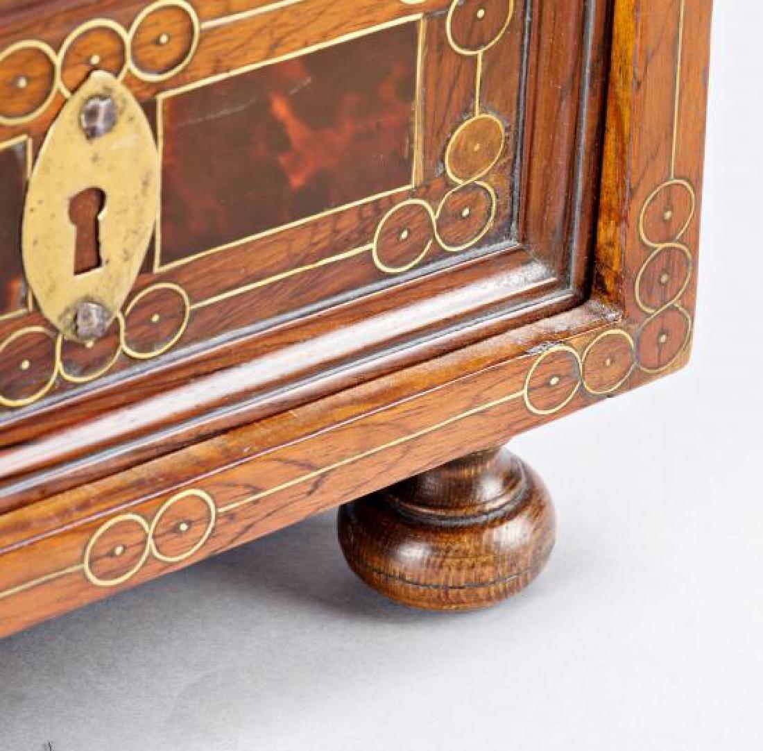 Spanish chest-bin in walnut, boxwood, tortoiseshell and - 6