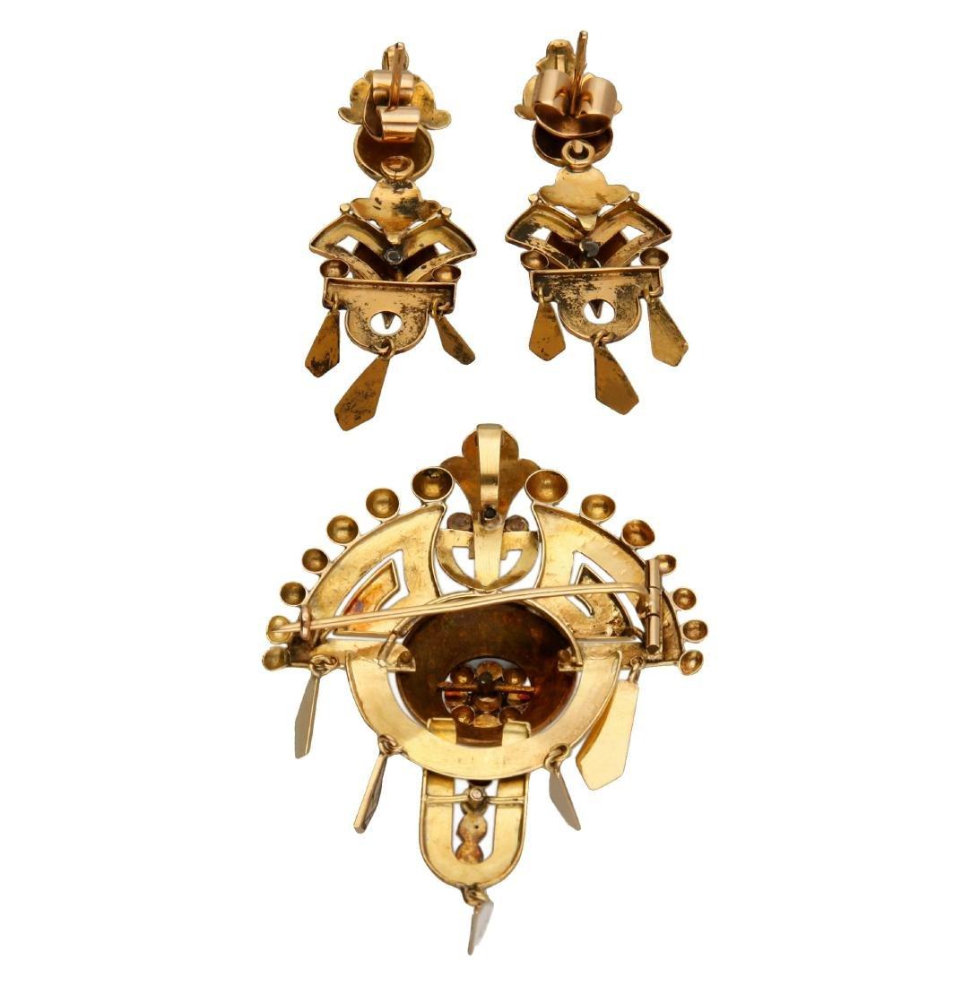 Alphonsine jewellery set in gold and enamel, 19th