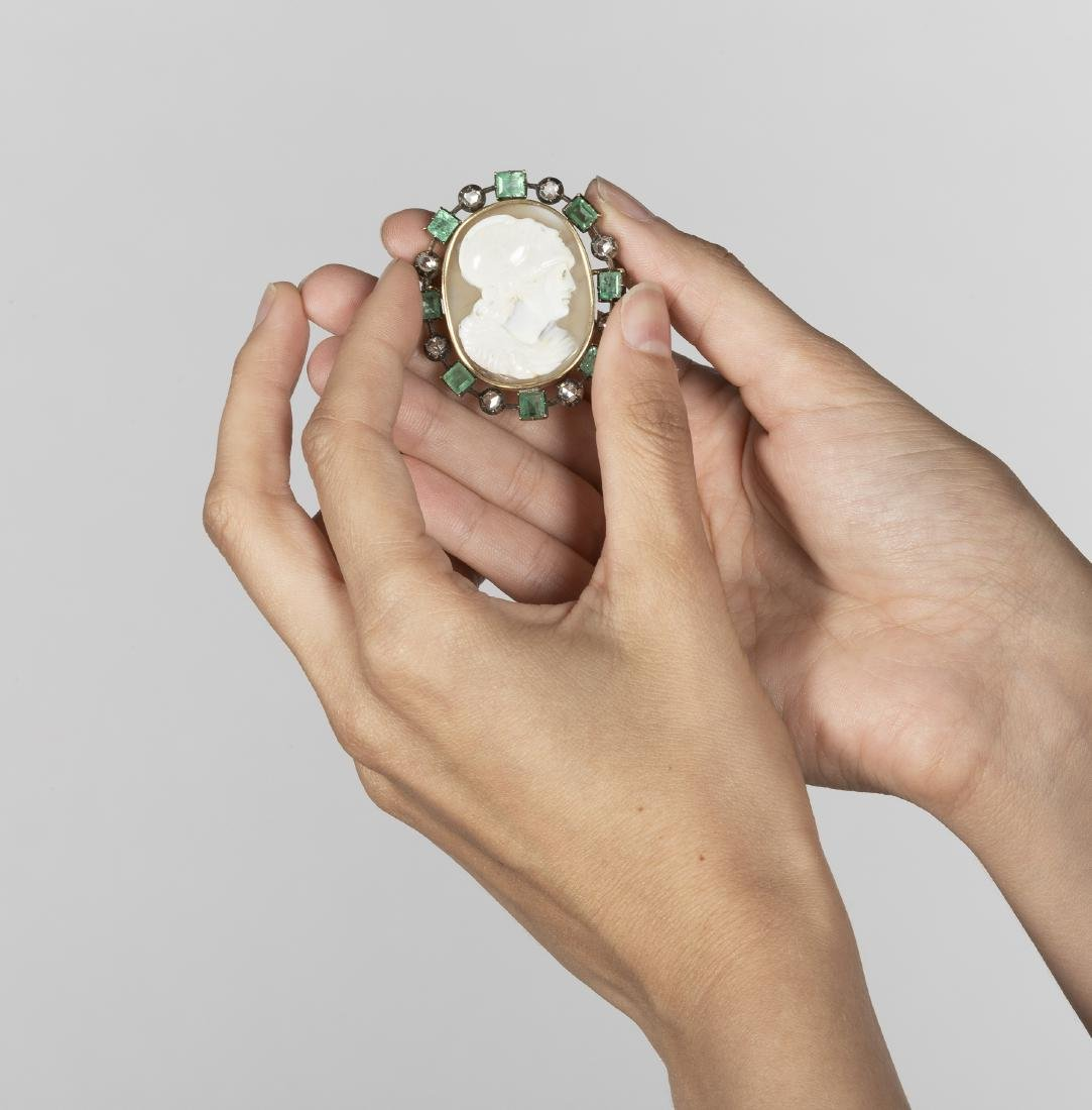 Brooch with cameo, 19th Century - 2