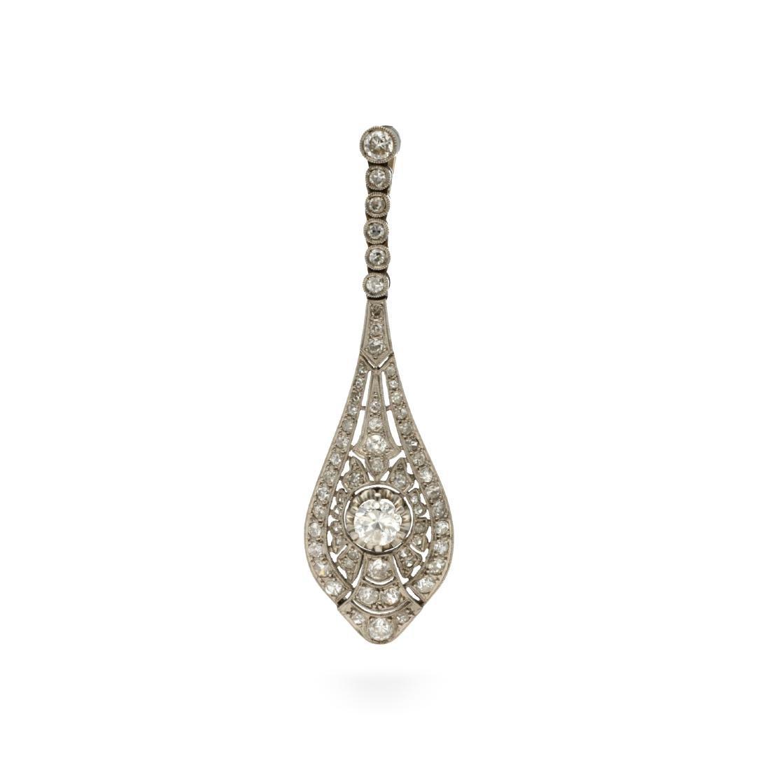 Art Déco diamonds earring, circa 1925